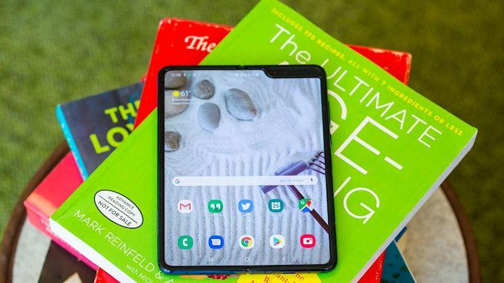 Lieu Samsung Galaxy Fold mo ban tro lai vao thang 7 1