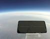 Hy hữu chiếc điện thoại của Vivo vẫn sống sót sau khi được thả rời từ độ cao 31.000m