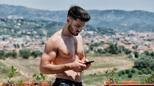 7 kiểu tin nhắn tán gái đậm chất badboy cho anh em thử nghiệm