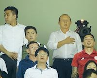 Ông Park ghé sân Thống Nhất, bạn thân lại không thể thắng