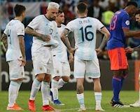 Messi và Ronaldo đá cặp cũng không cứu nổi Argentina