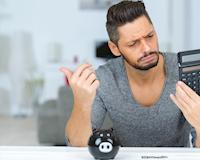 Đàn ông đi làm 3 năm mà chưa có một khoản tiết kiệm nào, có đáng vứt đi không?