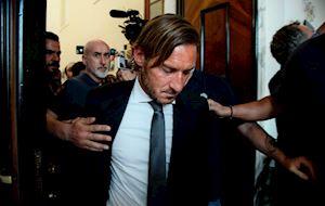 Chủ Mỹ cạn tình, Totti cạn nghĩa với Roma