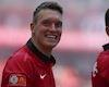 Video Clip: Smalling vs Phil Jones - những 'cây hài trường sinh' của Man Utd
