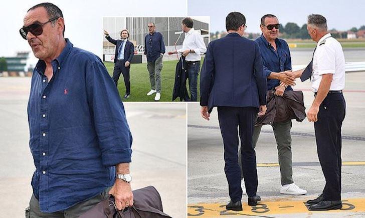 Sarri chính thức đến Juventus, được huyền thoại Neved chỉ đường dẫn lối