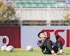 Video clip: Đội trưởng Văn Quyết thử làm HLV thủ môn cho Bùi Tiến Dũng