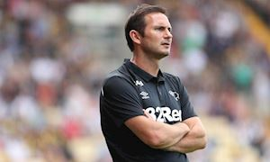 Về Chelsea, Lampard đút túi tiền tấn