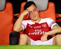 Ozil xúc phạm Emery, ngày rời Arsenal gần kề