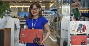 Mở hộp Samsung Galaxy S10+ phiên bản Park Hang Seo cho fan bóng đá Việt