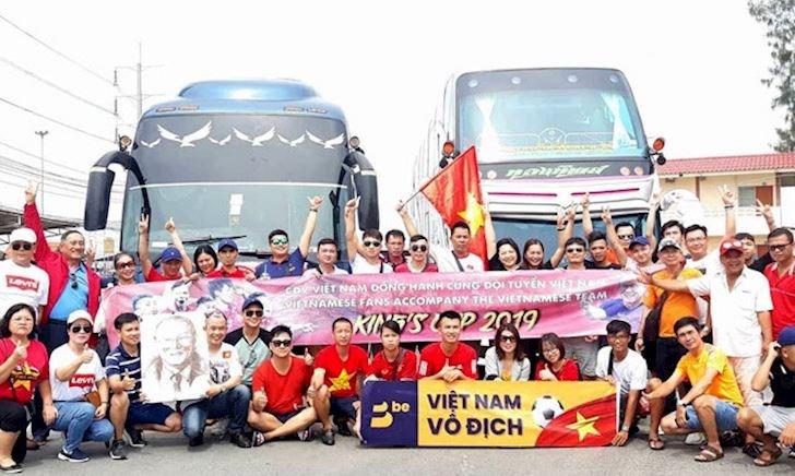 Fan Thái Lan sợ '5000 anh em' Việt Nam sang xem King's Cup