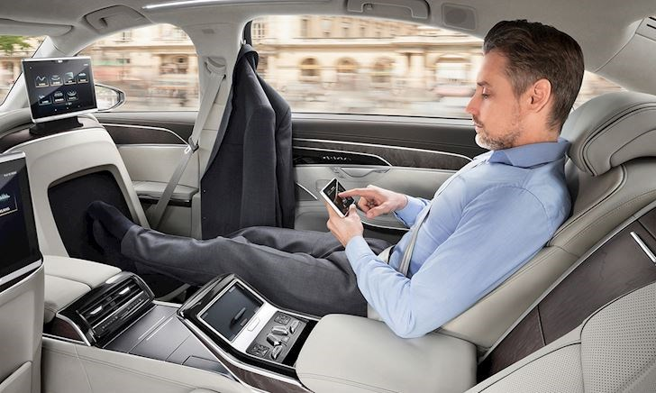 """Ngồi ở đâu trên xe """"sướng"""" và an toàn nhất?"""
