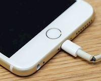 Trả 1000 USD mua iPhone, đã đến lúc Apple thay thế lightning với thứ xứng đáng hơn