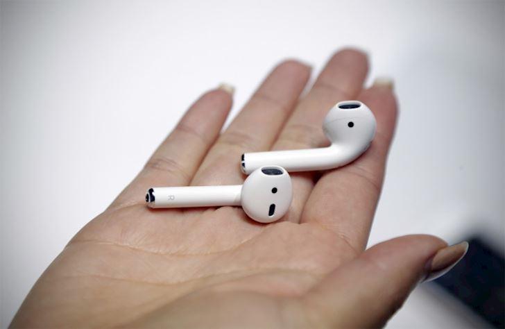 Apple AirPods 3 ruc rich ra mat kha nang xo nga moi doi thu 2