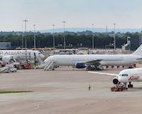 Máy bay Man City gặp sự cố trước khi sang Trung Quốc, toàn đội bất di bất dịch