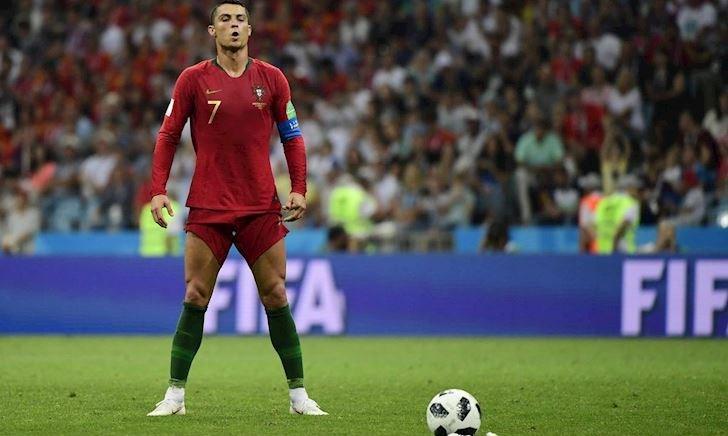 Mourinho đưa ra đề xuất chấn động, giúp Ronaldo vô địch trước mũi Messi