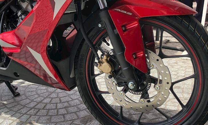 Honda Winner X chỉ có ABS bánh trước, liệu có đủ an toàn?