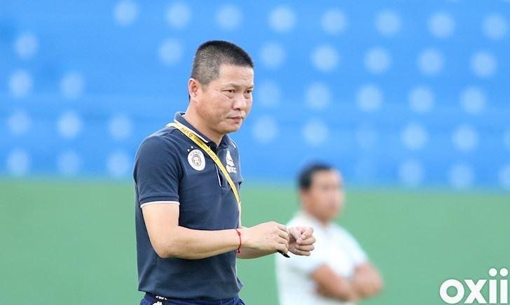 Đòi xử trọng tài, HLV Chu Đình Nghiêm lãnh án 10 triệu đồng