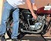 Có nên sử dụng cần đạp khởi động trước khi nổ máy xe?