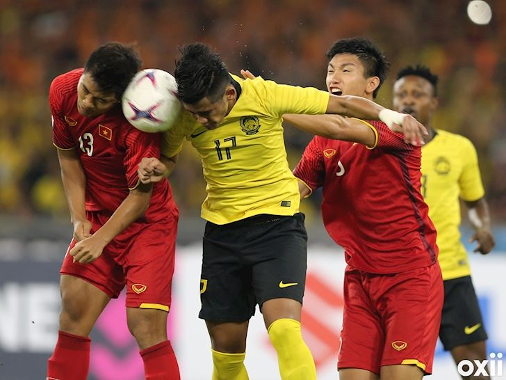 bong-da-viet-nam-ngay-208-hoi-hop-voi-danh-sach-tuyen-viet-nam-singapore-lai-om-mong-world-cup-hinh 3