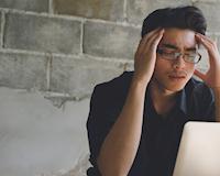 8 tiếng ngồi văn phòng có thể gây tổn hại sức khỏe ra sao?