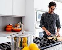 Đàn ông trưởng thành sẽ có những thứ này trong bếp