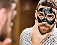 Phân bò và những tập tục chăm sóc da kỳ lạ của đàn ông trên thế giới