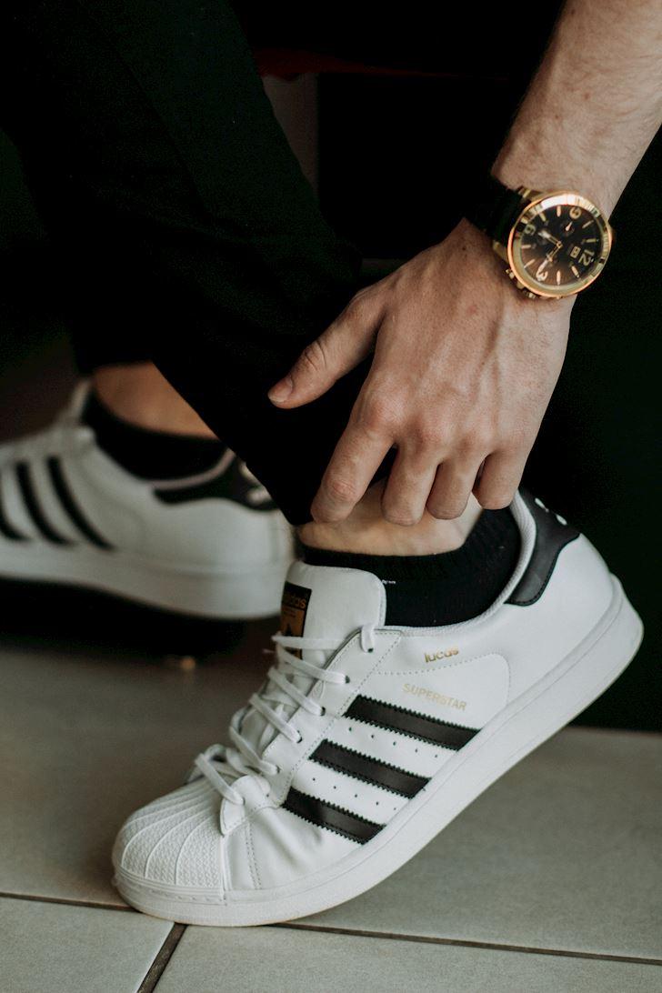 Khac phuc nhung loi khi mang sneaker dan ong thuong gap 3