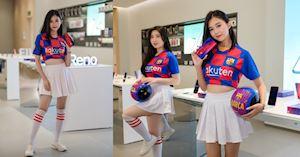Cận ảnh Oppo Reno Zoom 10X phiên bản đặc biệt Barcelona bên cạnh hot girl