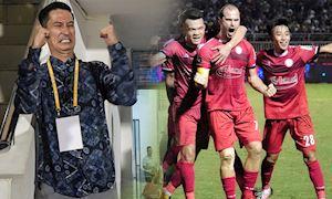 Video clip: Cháy vé, diễn viên Huy Khánh phải đứng xem 'siêu kinh điển' bóng đá Việt Nam