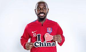 Trung Quốc quyết nhập tịch cầu thủ da màu, dư luận dậy sóng