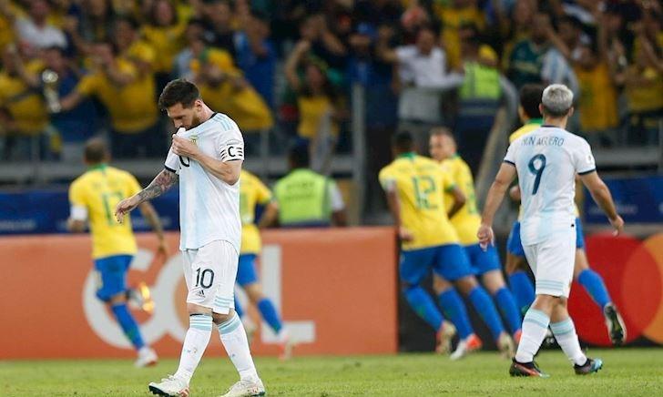 26 năm không danh hiệu, Argentina vẫn chưa phải kẻ khốn khổ nhất