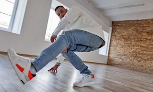 Jeans rách và cách chọn quần để tránh mang tiếng