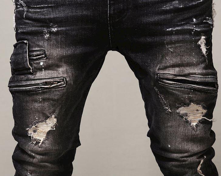 Jeans rach va cach chon quan de tranh mang tieng tre trau