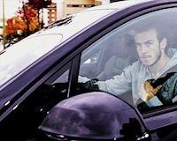 Video Clip: Gareth Bale bị fan Real chửi thẳng mặt trên đường đến sân tập