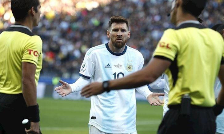 """Huyền thoại Nam Mỹ bênh vực Messi: """"Brazil được cơ cấu để vô địch"""""""