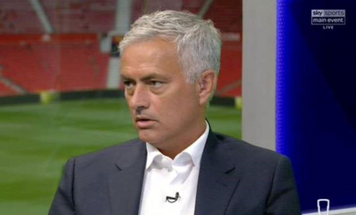 Lampard bat Mourinho, mia mai thay cu chi con la 'binh loan vien' anh 2