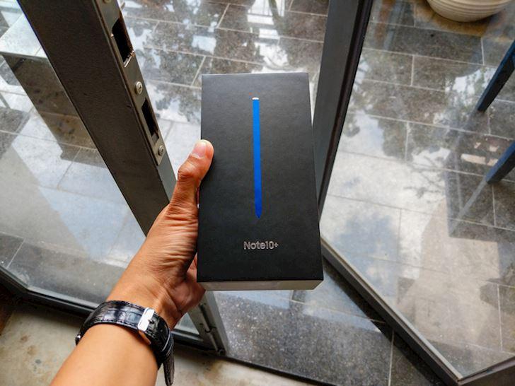 Mo hop Samsung Note 10 chinh hang Dep khong ty vet 1
