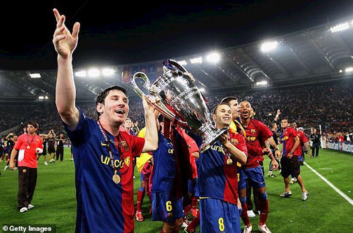 Ronaldo mia mai Messi: Gioi thi vo dich Champions League voi nhieu CLB anh 2
