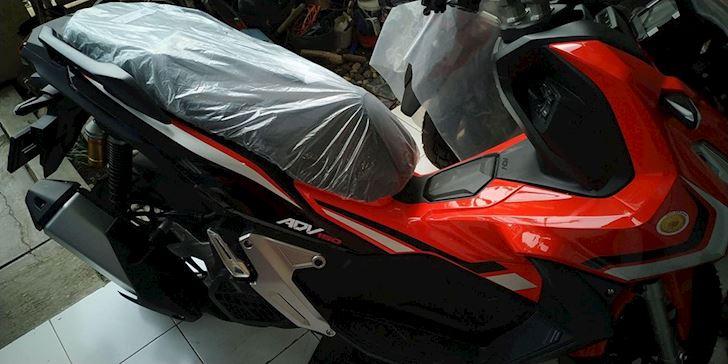 Honda ADV 150 sap xuat hien de doi dau Yamaha NVX 2