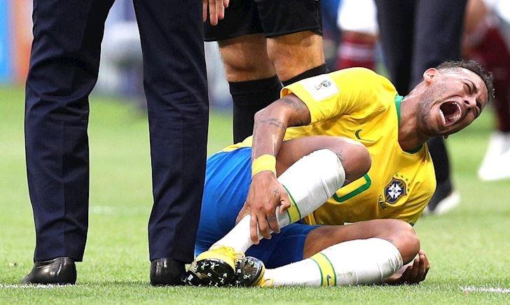 PSG tố cáo Brazil làm hại Neymar