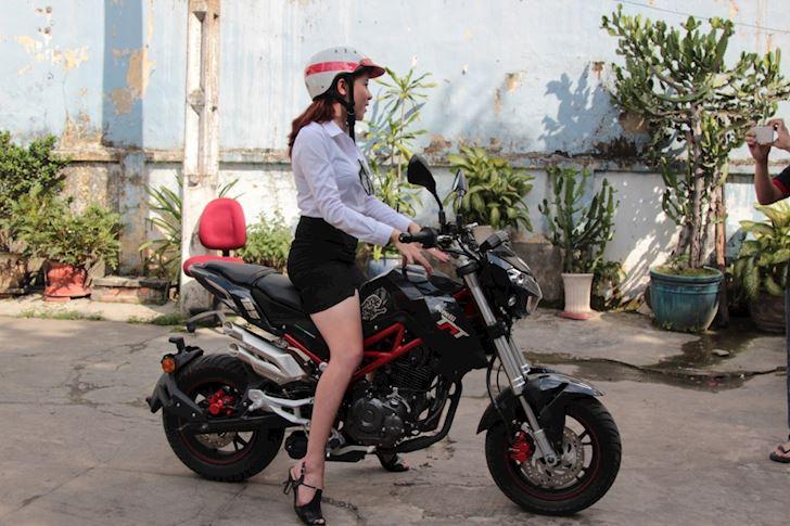 Benelli TNT 125 chau chau duong pho co dang mua  7