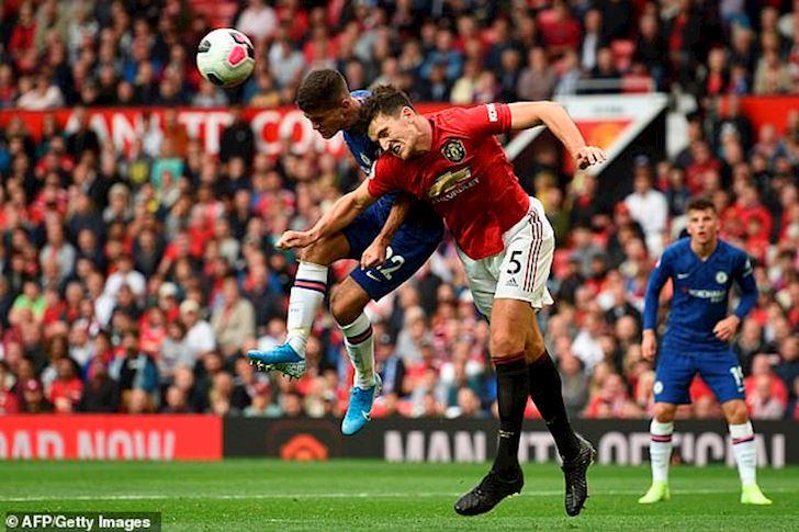 Chon Man Utd thay vi Man City, Maguire mat gan 2,5 ty/tuan anh 1