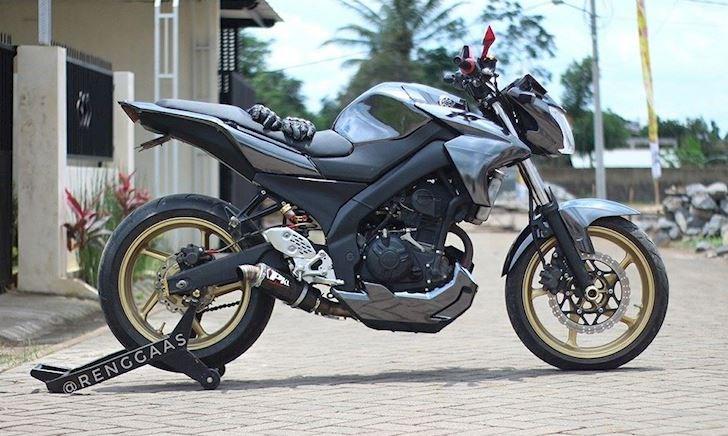 Huyền thoại Yamaha FZ150i độ 62zz mạnh cỡ nào khi so với Exciter