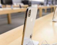 Tổng thống Trump đánh thuế Trung Quốc, 'hứa hẹn' giá iPhone sẽ tăng lên