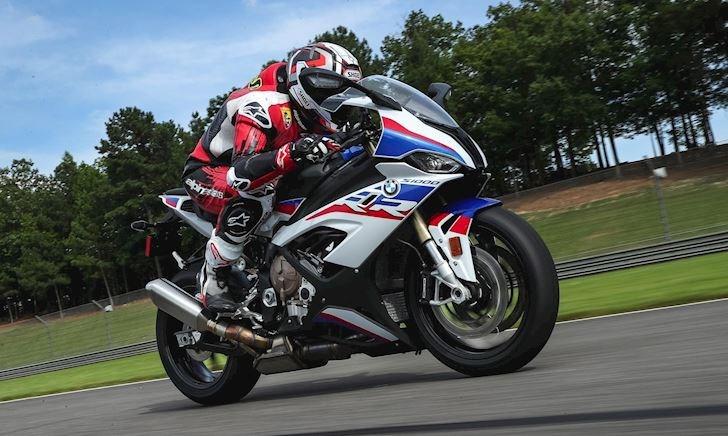 BMW S1000RR mới sẽ có Supercharge, quyết đánh bại Kawasaki H2