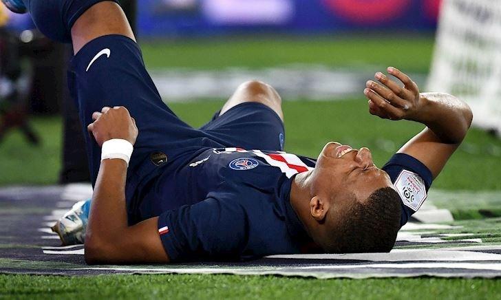 Sau Neymar, PSG chịu thêm bi kịch về Mbappe và Cavani