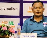 Video clip: HLV U18 Thái Lan khiến cả khán phòng họp báo chờ 20 phút