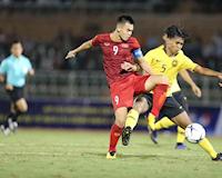 Video clip: Sai lầm khó tin, hàng thủ U18 Malaysia biếu không cho U18 Việt Nam chiến thắng