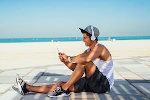 Thay vì ngồi lướt Facebook, đây là 20 kỹ năng đàn ông trưởng thành nào cũng nên học