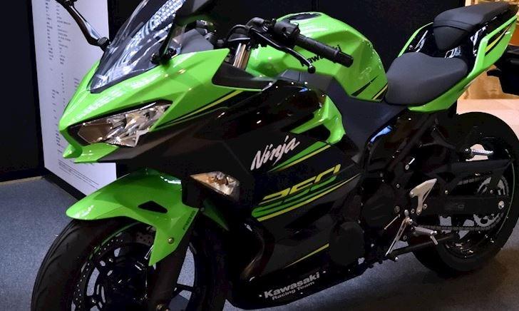 Kawasaki Ninja 250 2020 - Thể thao hơn với bộ tem đua KRT